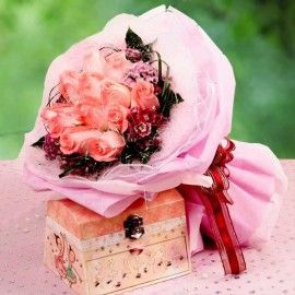 12 Peach Roses Bouquet (Musical Box Not Included)