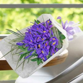 20 Blue iris Hand Bouquet-Kindly order 2 days in advance