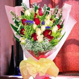 24 Mixed Roses ( 12 Red 12 Champagne ) Handbouquet with long wra