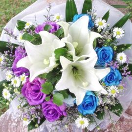 3 White Lily with 4 Blue 4 Purple Roses Handbouquet