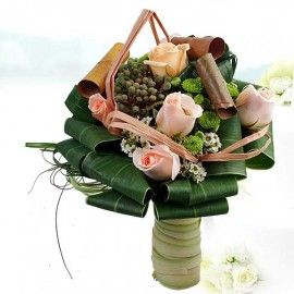 6 Champagne Roses Small Special Standing Bouquet