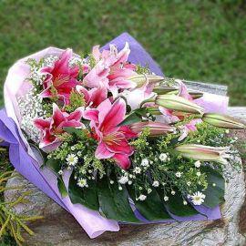 6 Pink Lily Handbouquet