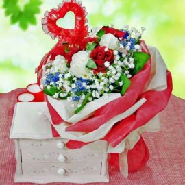 6 Red 6 White Artificial Roses Handbouquet
