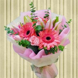 Pink Lily, Roses & Gerbera Handbouquet