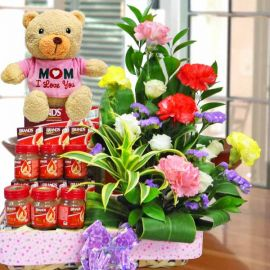 16cm Love Bear With Carnations & bird's nest