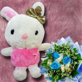 20 cm Bunny with 3 Blue Roses Handbouquet