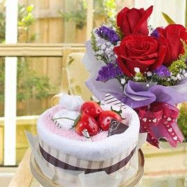 Cake Made By Towels & 3 Red Roses