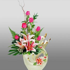 Elegant Swan Shaped Porcelain Vases With Flowers